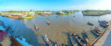 Ferry Rowing Takes Visitors Or Agricultural Products Across River Floating Market , This Is Main Transportation Lunar New Year In Soc Trang, Vietnam