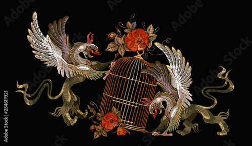 Embroidery two griffins and gold cage Canvas-taulu