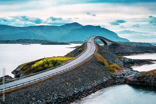 Spoed Fotobehang Bruggen Norwegian atlantic road bridge