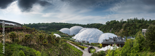 Fotografia Eden project domes in St Austill Cornwall United Kindom