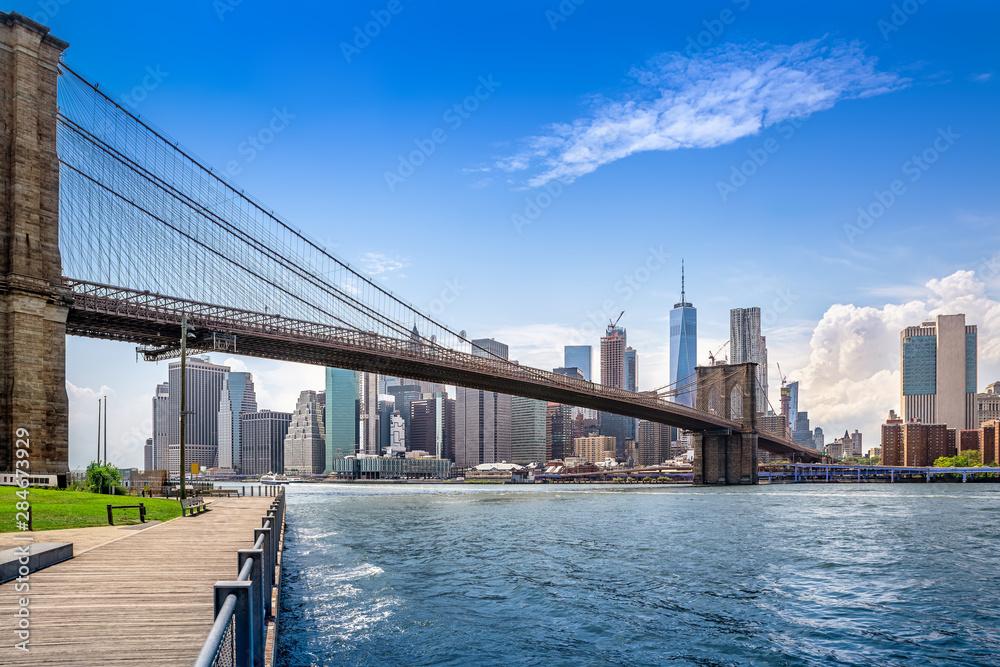 Fototapeta brooklyn bridge and new york city manhattan