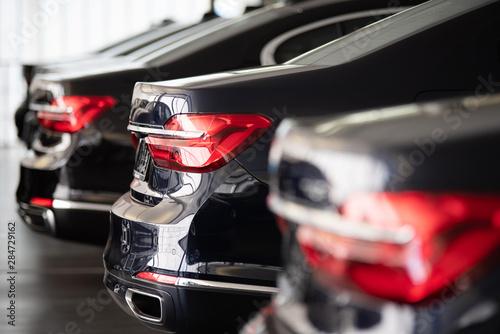 Fényképezés  Autos in einer Reihe, Automobilindustrie