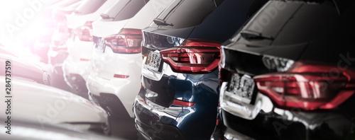 Canvas-taulu Autos in einer Reihe, Automobilindustrie
