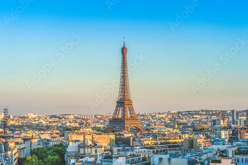 Vászonkép skyline of paris with eiffel tower at dusk