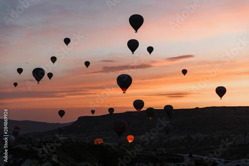 Poster Ballon Cappadocia hot air balloon view in dawn, Turkey