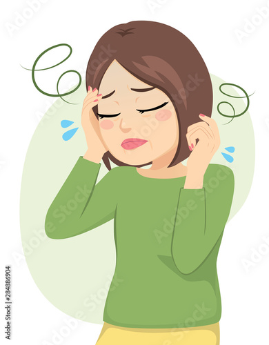 Photo Tired middle aged woman suffering dizziness and headache pain