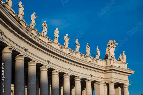Fotografering Detail of the Bernini Colonnade at Vatican City in a beautiful spring day