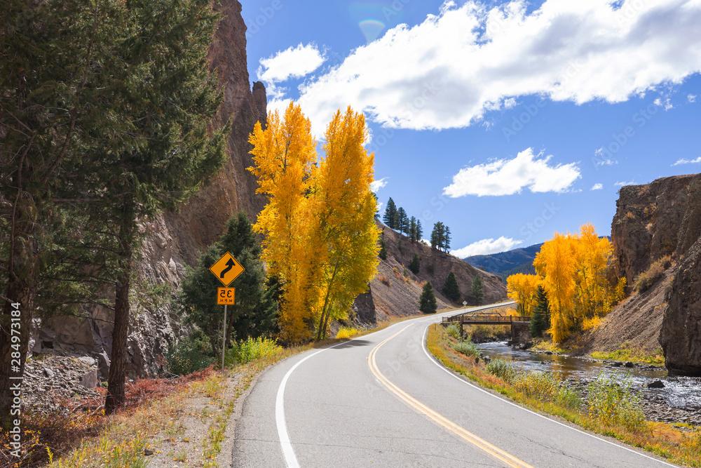 Fototapeta Autumn road