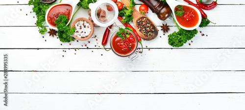 Slika na platnu Sauce of fresh tomatoes and chili peppers