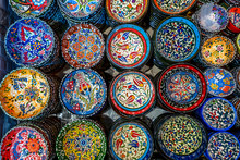 Classical And Traditional Turkish Colorful Ceramics On The Istanbul Grand Bazaar. Istambul, Turkey