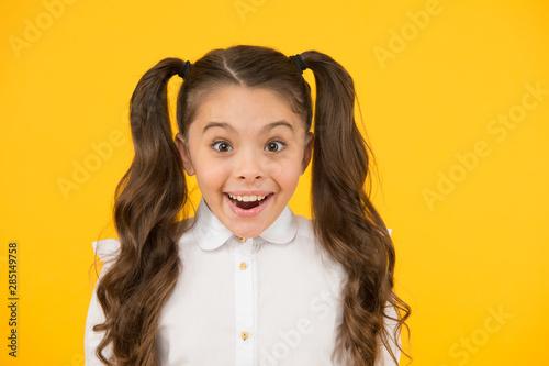 Fotomural  Adorable schoolgirl
