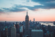 edificio empire state de nueva york al atardecer