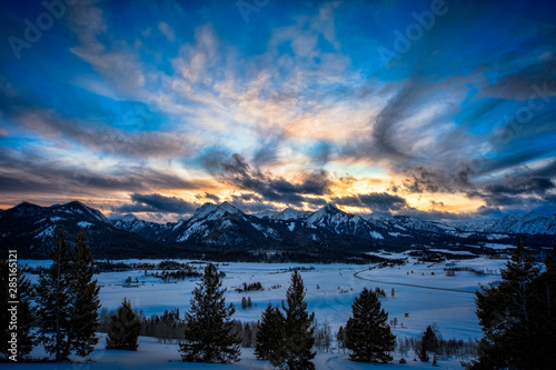 sunset over the sawtooth mountain range in central Idaho #285165121