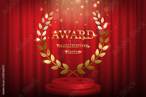 Photo  Golden award sign with laurel wreath and podium isolated on red curtain background