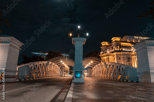 SINGAPORE - MAY 19, 2019: Anderson Bridge is a vehicular bridge that spans across the Singapore River by night Wallpaper Mural