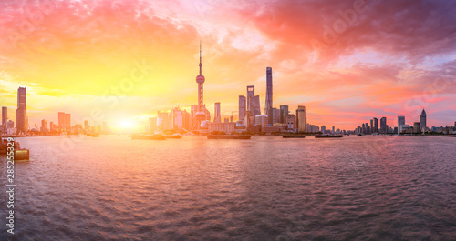 Foto auf AluDibond Koralle Shanghai skyline and modern buildings at sunrise,panoramic view.