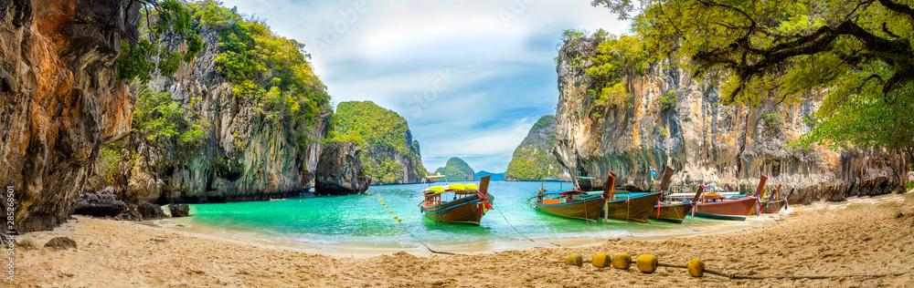 Fototapety, obrazy: Blue water at  Lao Lading island, Krabi Province, Thailand