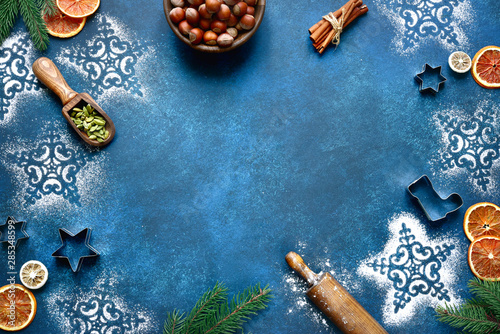 Pinturas sobre lienzo  Christmas baking background. Top view with copy space.