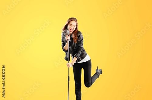 Sing. - 285370386
