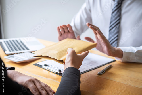 Fotografía  Anti bribery and corruption concept, Business man refusing and don't receive mon