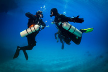 Diver And Sidemount