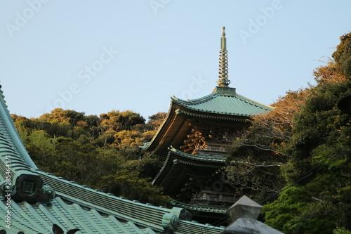 Photo 三重塔、江の島駅付近に・日本