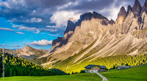 The beautiful Dolomites group of Odle in the Natural Park of Odle-Puez, Val di Funes Fototapet