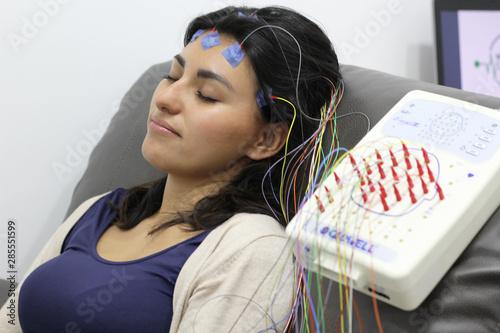 Fotografiet Electroencefalograma estudio médico para el cerebro