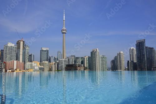 Photo  Rooftop views of Toronto