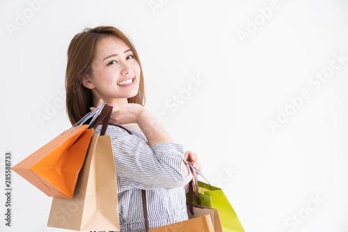 Fototapeta  買い物をする女性