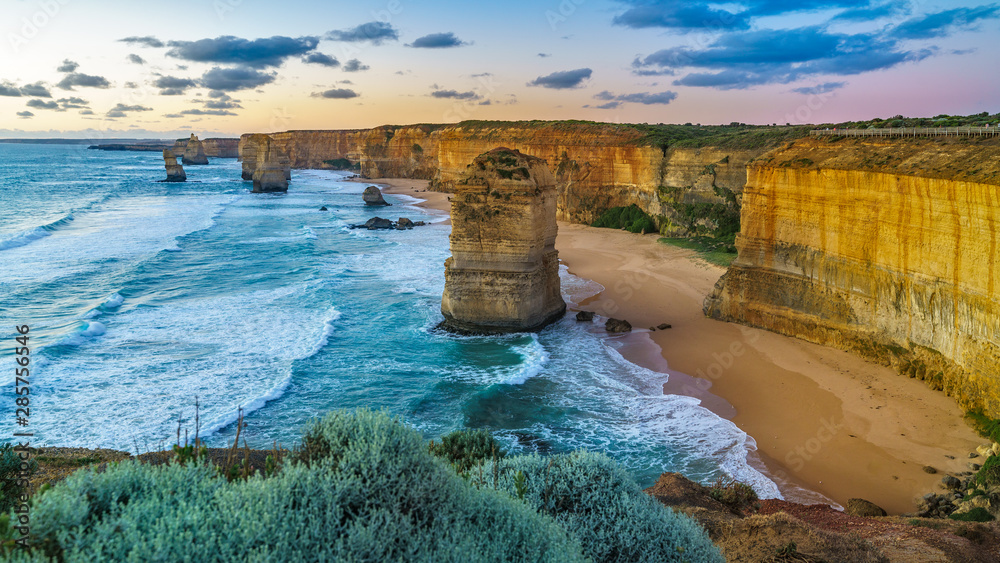 Fototapeta twelve apostles at sunset,great ocean road at port campbell, australia 142