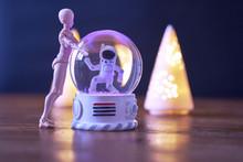 A Spaceman Meets An Alien In A...