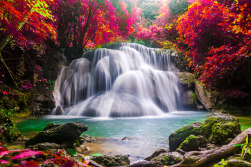 Obraz na Szkle Las huay mae kamin waterfall in colorful autumn forest at Kanchanaburi
