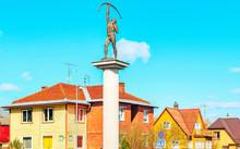 EU Archer Sculpture Crossroads...
