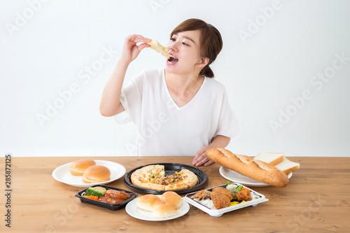 Cuadros en Lienzo 食べる女性