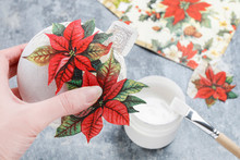 How To Make A Christmas Ball With Decoupage Technique