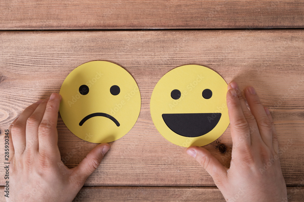 Fototapety, obrazy: Gold Smiley Leadership Concept.