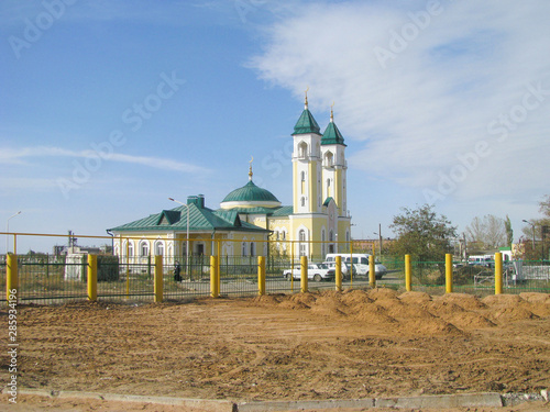 The newly built Muslim mosque Canvas-taulu