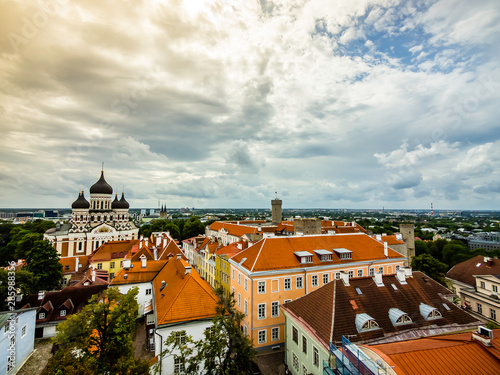 Photo sur Toile Europe de l Est Beautiful skyline of Tallinn old town featuring Alexander Nevsky Cathedral