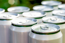 Aluminum Closed White Cans Wit...
