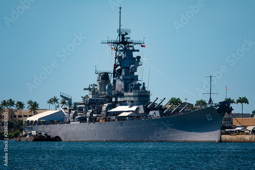Fotografiet Battleship USS Missouri at Pearl Harbor, Hawaii