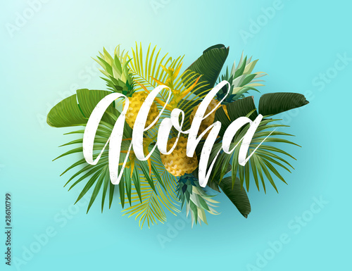 Photo Tropical vector design with green palm leaves, pineapples and hand drawn Aloha inscription
