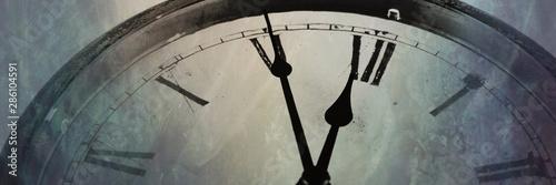 Fotografia Panoramic image Retro clock with five minutes before twelve