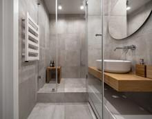 Stylish Modern Bathroom With L...