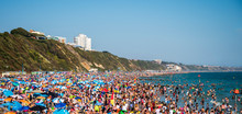 Thousands Of Sun Seekers Pack ...