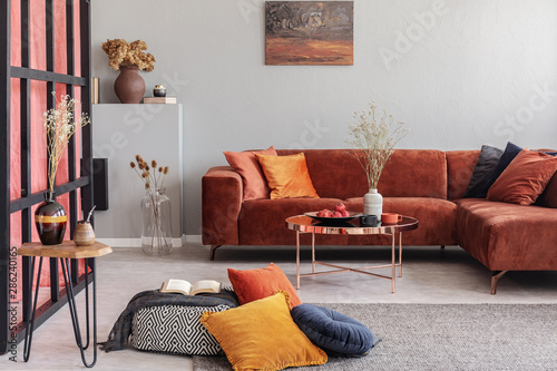 Colorful abstract painting on white wall of stunning living room interior Canvas-taulu