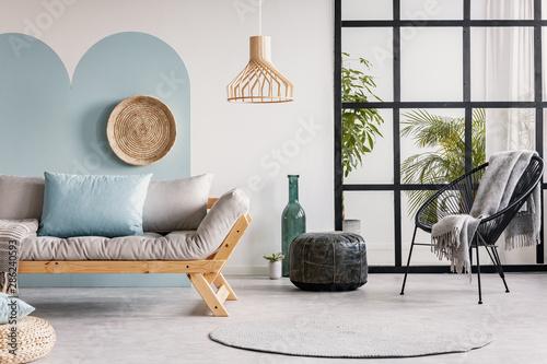Tremendous Urban Jungle In Bright White And Blue Living Room Interior Inzonedesignstudio Interior Chair Design Inzonedesignstudiocom