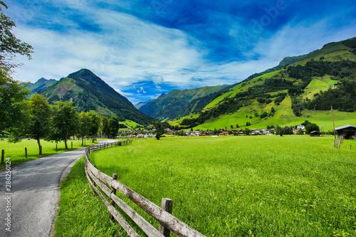 Foto auf AluDibond Landschaft rauris valley in the high tauren mountains, salzburg land in austria