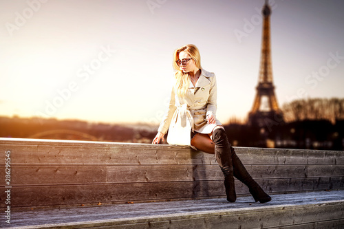 Fotografie, Obraz Slim young woman and autumn time in Paris.