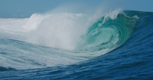 SLOW MOTION: Epic Blue Wave Breaking And Barreling With Lots Of White Water, Raw Natural Wonder